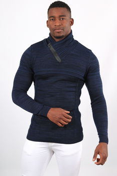 Pull homme bleu col montant 1890