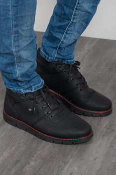 Basket montante homme noir red M69