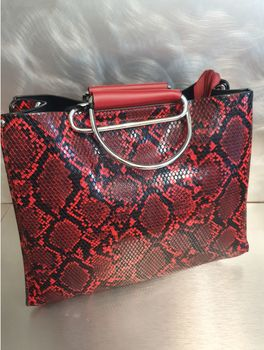 "Sac "" Mia "" Red"