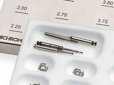 Set of 4 assorted instruments for S. Steel Staples