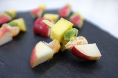 Plateau de 20 brochettes de fruits