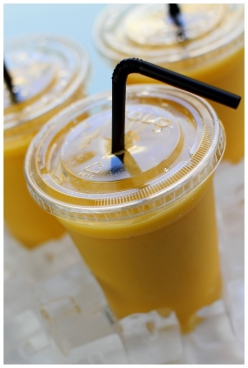 Smoothie : Jus d'orange / mangue / banane