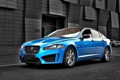 KIT CARROSSERIE COMPLET JAGUAR XF X250 PHASE 2 LOOK XF-S (2012/2016)