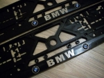 "SUPPORTS DE PLAQUES BLACKLINE AVEC LOGO BMW OU ""M POWER"""