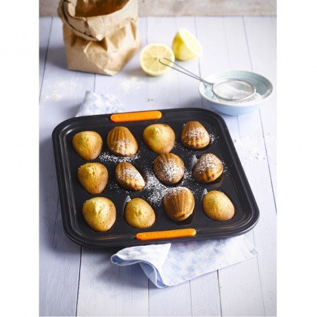 MOULE A 12 MADELEINES