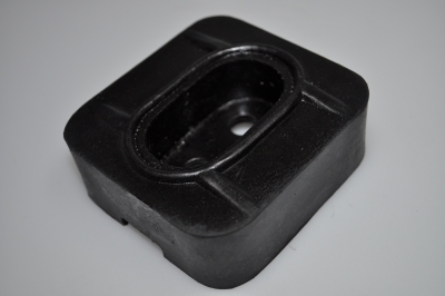 engine mounting rubber rear (after 1945)