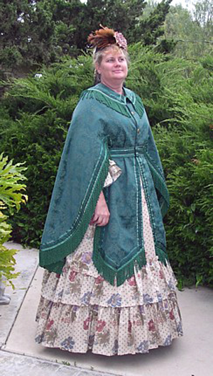 Truly Victorian TV501 Manteau 1871