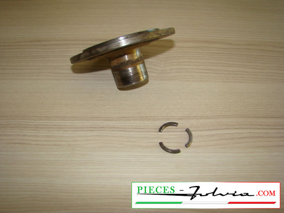 Flange of gearbox exit right side Lancia fulvia serie 2 all models