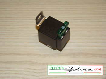 4-pin relay 12V 30A with protection fuse