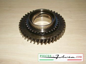 1st speed gear on primary shaft  Lancia Fulvia 1300 series 2-3