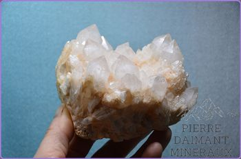 "Quartz, ensemble de cristaux type ""ananas"", Madagascar."