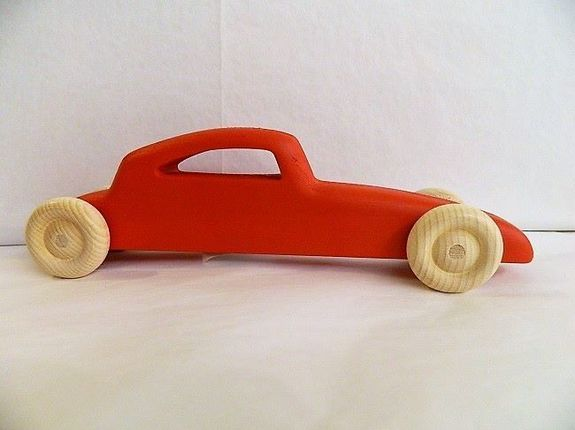 "Voiture ""Roll's"" rouge"
