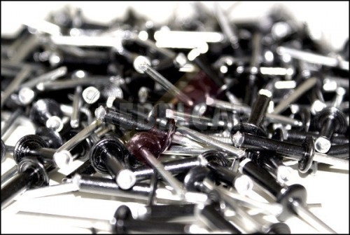 Lot de 1000 rivets noirs 4x16