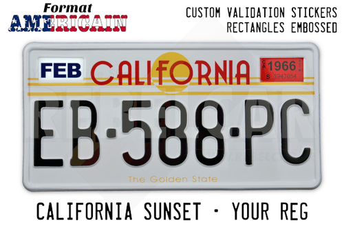 Plaque US California Sunset / The Golden State RETRO-REFLECHISSANTE emboutie, avec BORDURE BLANCHE et 2 RECTANGLES EMBOUTIS en haut, format 304x152 mm