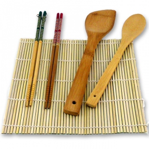Sushi making tools