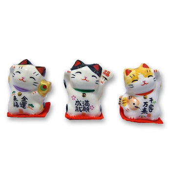 Maneki Neko little cat 3.5cm (by unit - colors at random)