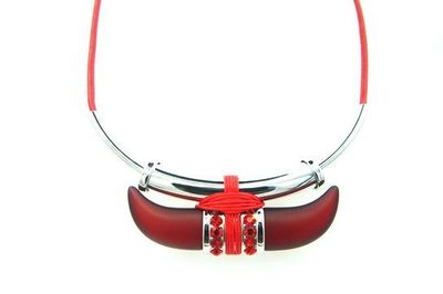 Collier arc métal corne rouge