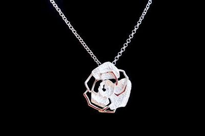 Collier IKITA rose blanche argent