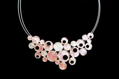 Collier IKITA bulles blanches rose