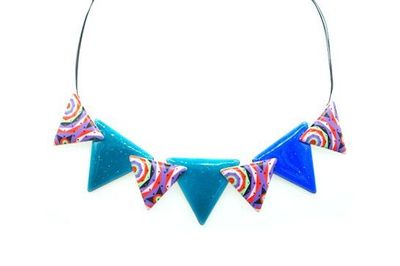 Collier IKITA triangles colorés