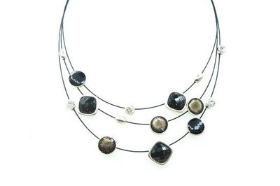Collier IKITA pierres noires blanches 3 cables