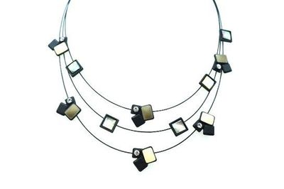 Collier IKITA carreaux blancs noirs trio cables