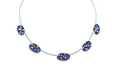 Collier IKITA 5 ellipses violettes boutons argent