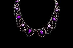 Collier IKITA cascade strass violets perles