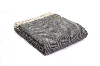 Lifestyle herringbone Charcoal/silver throw