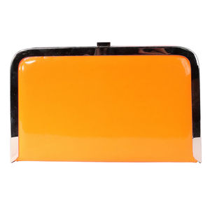 Pochette vernie orange à bord doré et chainette détachable