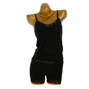 Ensemble caraco avec top dentelle et shorty confortable