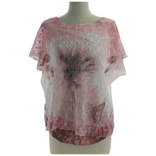 Top en col arrondi avec impression fantaisie rose
