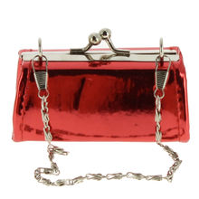Assortiment pochette unie finition vernis fermoir à clip