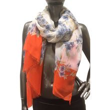 Foulard en imprimé fleuri et bords frangés orange