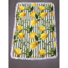 Serviette de plage forme en rectangle à rayures et citron