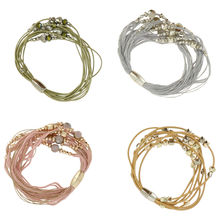 Assortiment bracelet multi brins décor imitation en perle