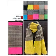 Assortiment foulard carreaux avec large bord contrastant