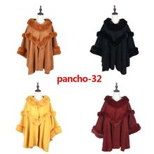 Assortiment poncho uni à ornement imitation fourrure