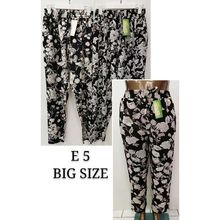 Pantalon grande taille avec impression floral all-over