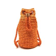 Sac à dos forme cylindrique tissé à la main orange