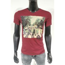 T-shirt bordeaux à imprimé the beatles traversant la rue