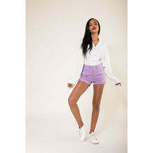 Short en coton stretch violet avec 5 boutons apparents