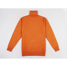 Pull unicolore à col roulé au toucher cachemire orange