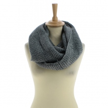 Snood gris en acrylique tricoté à triple tours