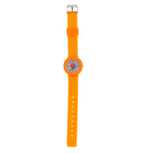 Montre analogique orange motif papillon en fond cadran
