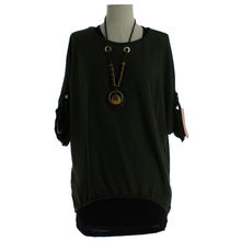 Pull femme coupe ample à col rond avec collier vert