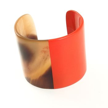 Bracelet Large Manchette en corne et laque orange
