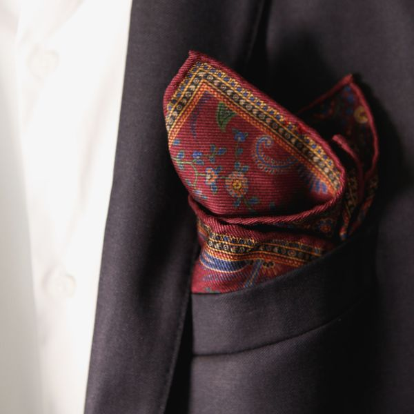 Double-sided burgundy with paisley patterns Calabrese 1924 hand-tipped Pocket square
