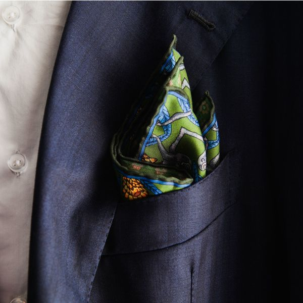 Double-sided green with animals patterns Calabrese 1924 hand-tipped Pocket square