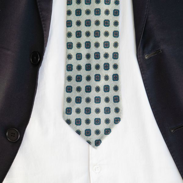 Grey Zampa di Gallina 100% Wool Unlined Necktie with Ancient Madder patterns